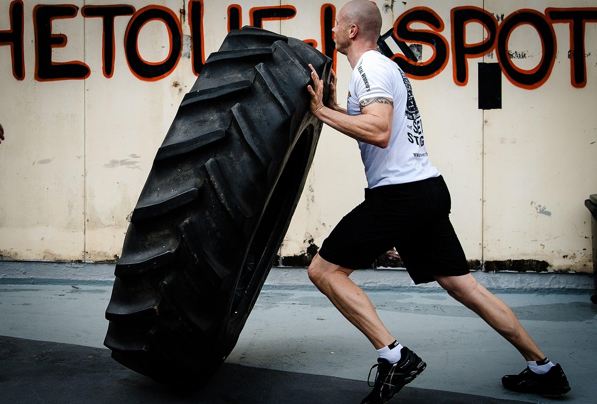 Un bon gestionnaire de paie n'a pas besoin de retourner des pneus